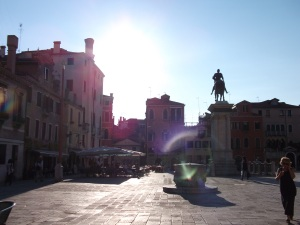 Campo SS. Giovanni e Paolo con a estatua de Colleoni